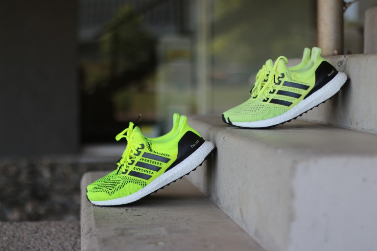 2bc075b0ec1 Jolie Foulée ADIDAS ULTRA BOOST SOLAR YELLOW   FROZEN YELLOW